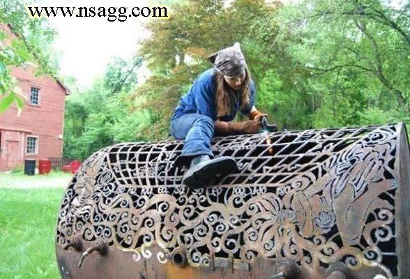 آهنگر زن هنرمند و خلاق