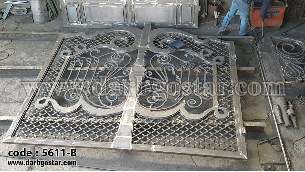 5611-B درب فلزی طراحی درب ساختمان